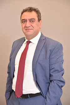 Chadi Saba, an oncologist working in one of the leading pharmaceutical companies, has just received an Executive MBA Global Track from ESCP Business School and ESA Beirut.
