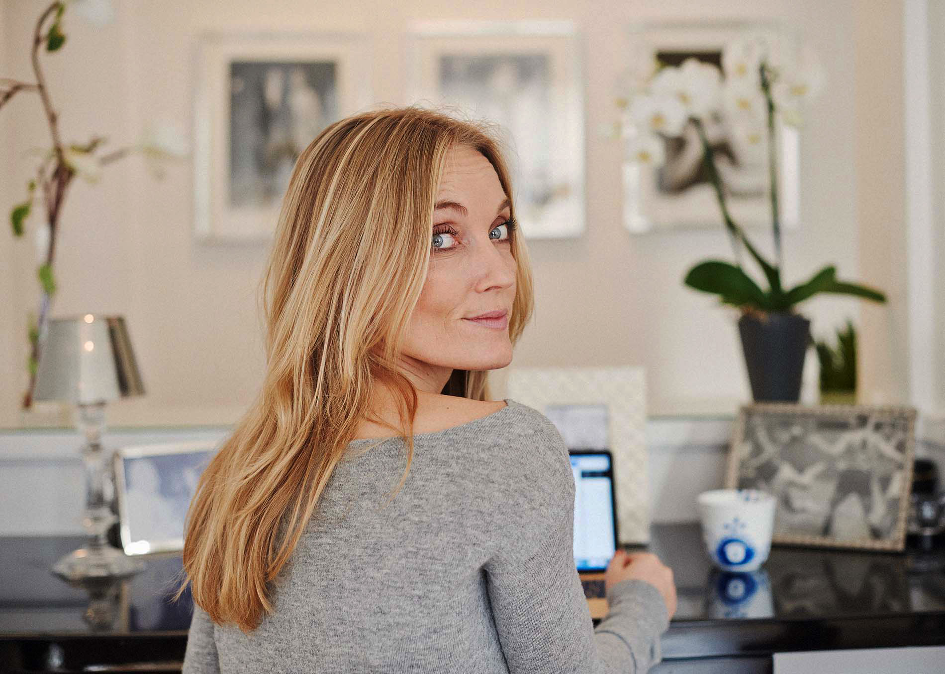 Malene Rydahl is a former executive in corporate communication and currently a writer, speaker and executive coach specializing in happiness, well-being and management.
